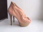 Туфли из натуральной кожи и перфорированной замши