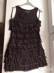 Платье с рюшами из шифона и клепками